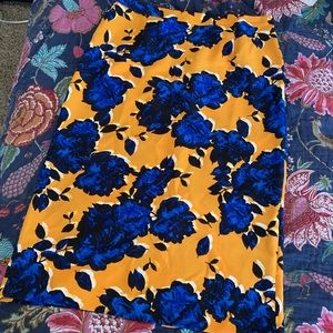 Who What Wear bright and bold pencil skirt